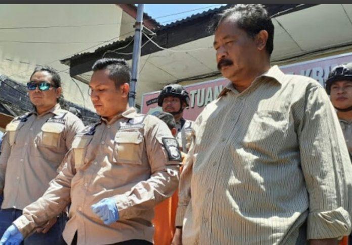 Resmob Sat Reskrim Polres Kota Bitung saat melakukan press conference.