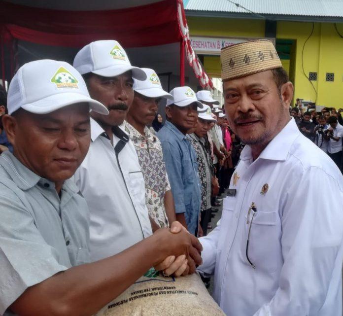 Mentan Syahrul Yasin Limpo Serahkan Bibit dan Melepas Ekspor 3 Komoditas Gorontalo