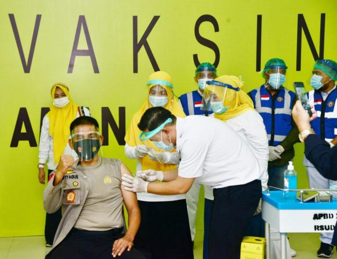 Kapolda Gorontalo saat di vaksin
