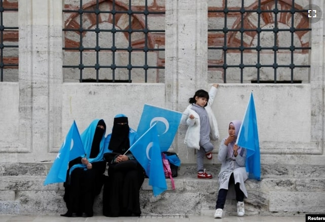 China Kerap Memperkosa Muslimah Uighur Dalam Tahanan