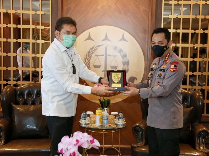 Kapolri Jendral Listyo Sigit Prabowo saat Bersama Kepala Kejaksaan Agung RI