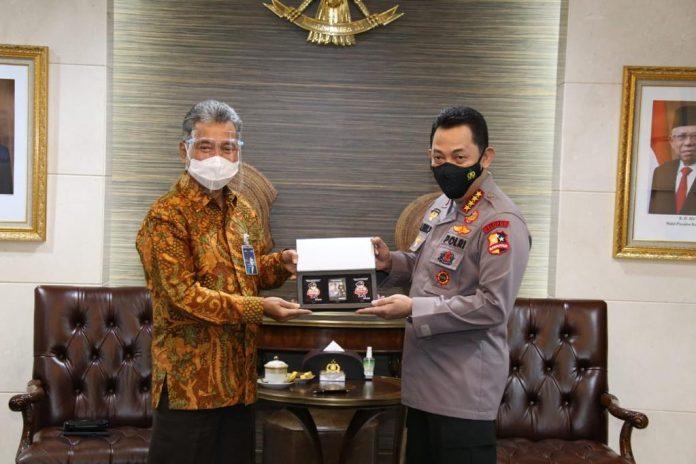 Kapolri Jendral Listyo Sigit Prabowo ditemui Direktur BRI, penguatan ekonomi melalui membahas KUR