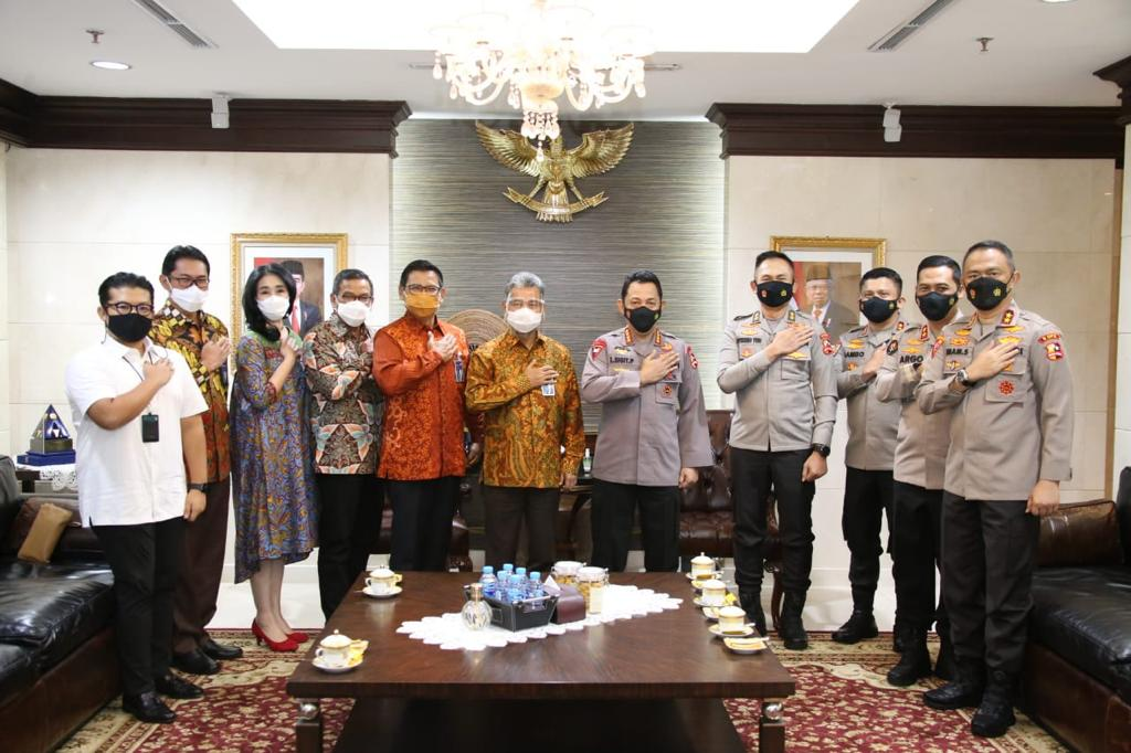 Kapolri Jendral Listyo Sigit Prabowo menemui Direktur BRI