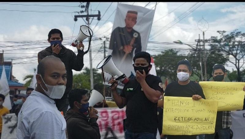 Aksi Massa di Polres Indragiri Hilir