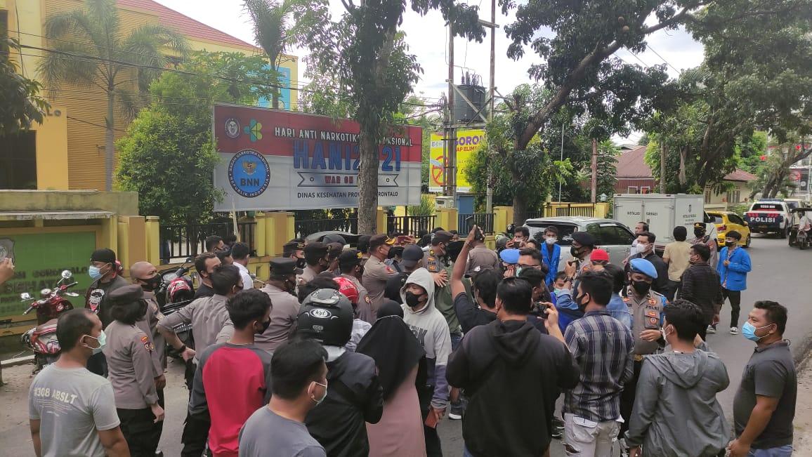 Aksi  mahasiswa Tolak Vaksin Dapat Tindakan Represif Aparat