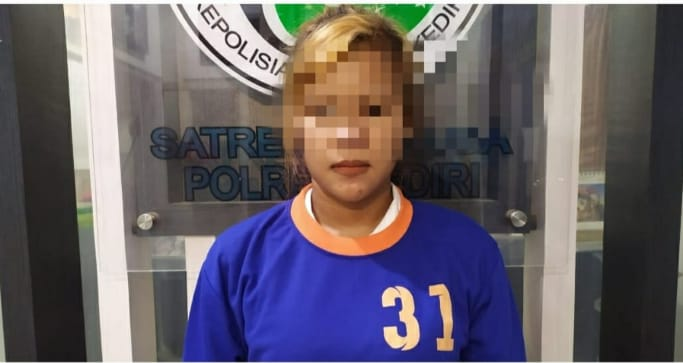 Asyik Pesta Sabu, Wanita Cantik Ini Disergap Satresnarkoba Polres Kediri
